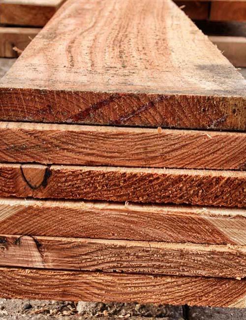 Fijnbezaagd hout